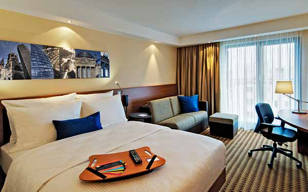 hampton-by-hilton-berlin-city-west-zimmer-content