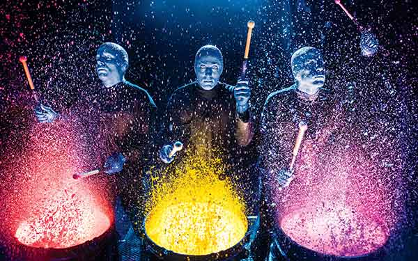 "BLUE MAN GROUP, Szenenmotiv ""Paintdrums"""